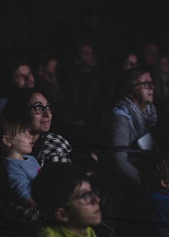 Public parents et enfants (photo Sven Becker)